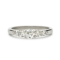 Platinum Peg Set Graduated Five Diamond Ring