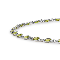 Peridot In White Gold